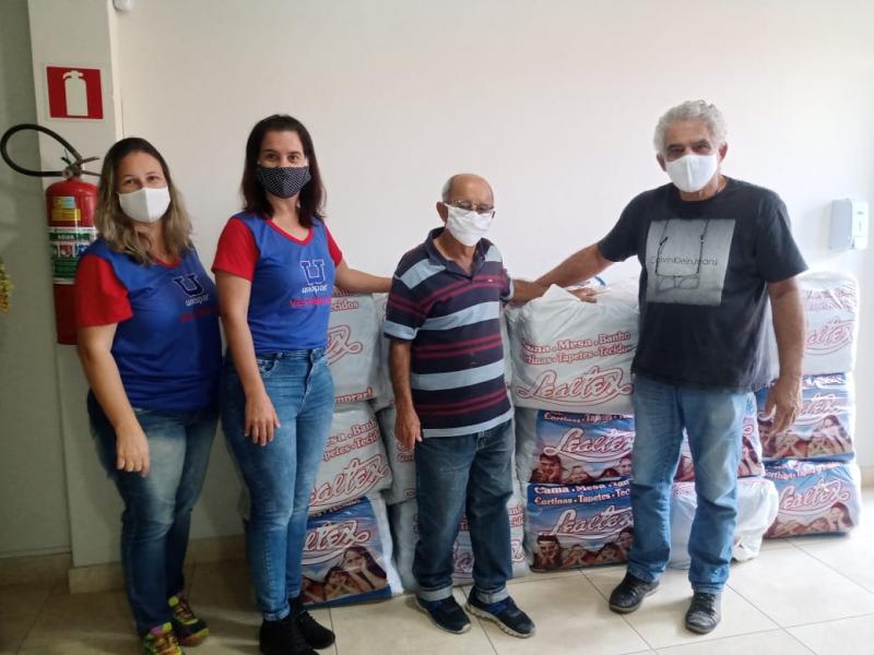 Live Amor Aquece realiza a entrega de cobertores